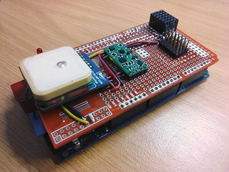 The Flight Controller with the IMU, bluetooth and GPS connected, Also 6 ports for the Ultrsasonic sensors and an aditional 6 ports for I2C.