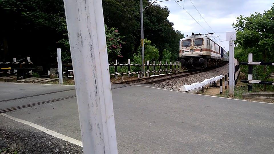 The train arriving towards the SensorTile