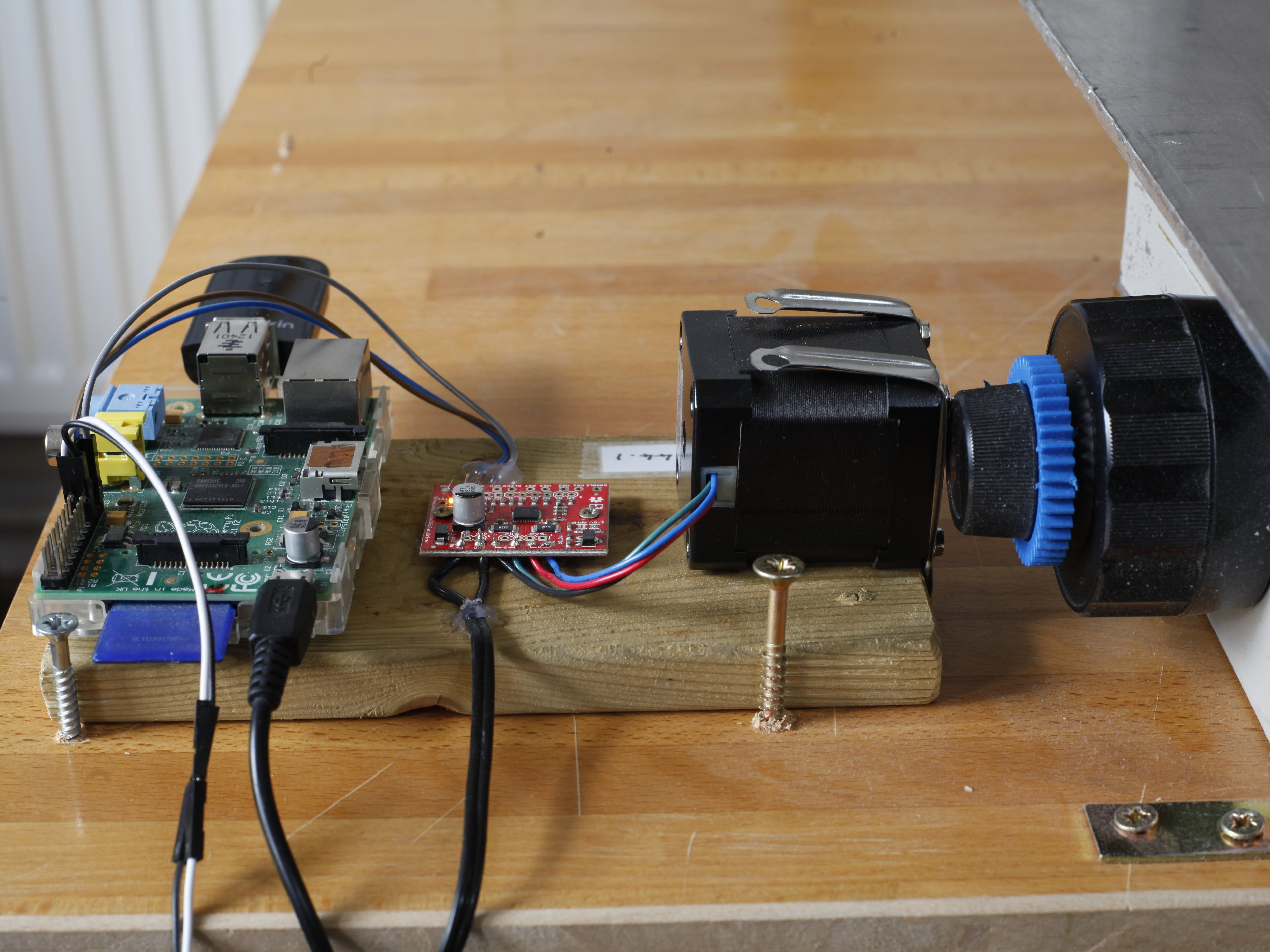 Driving The Focus Stacking Rail Using A Raspberry Pi