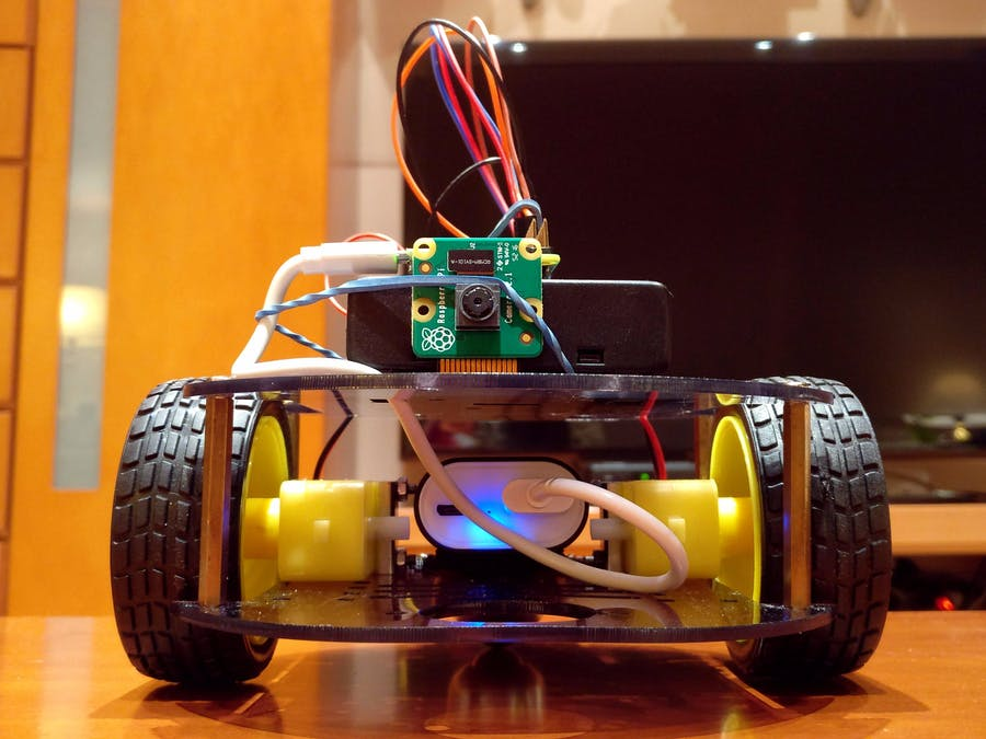 Raspberry Pi Web-Controlled Robot with Video