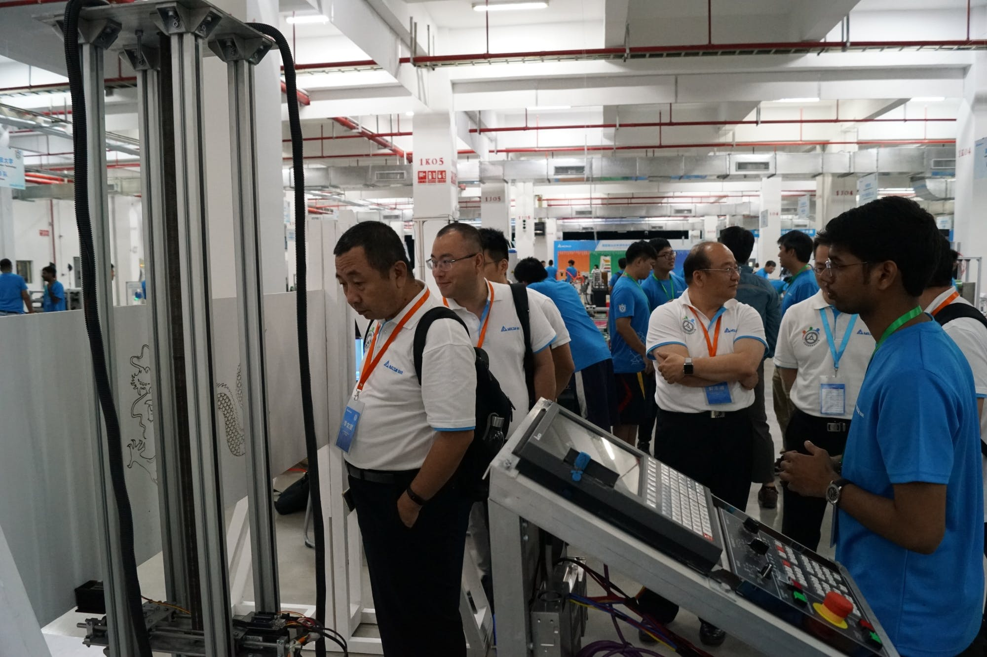 Judges observing the Machine and Its Output