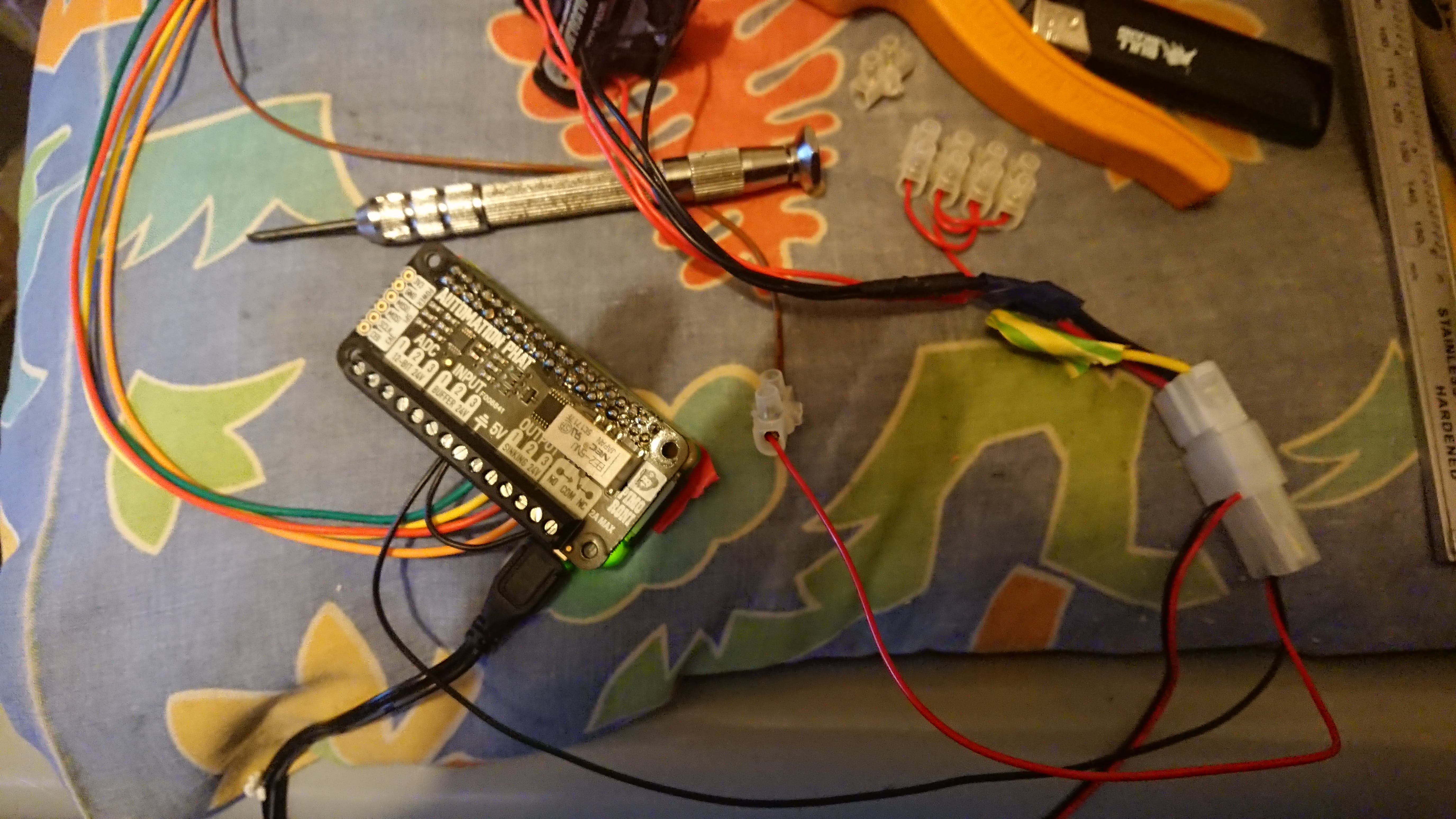 Batteries to IDE connector. Positive to Brown, negative to ground on pHAT and common on relay.