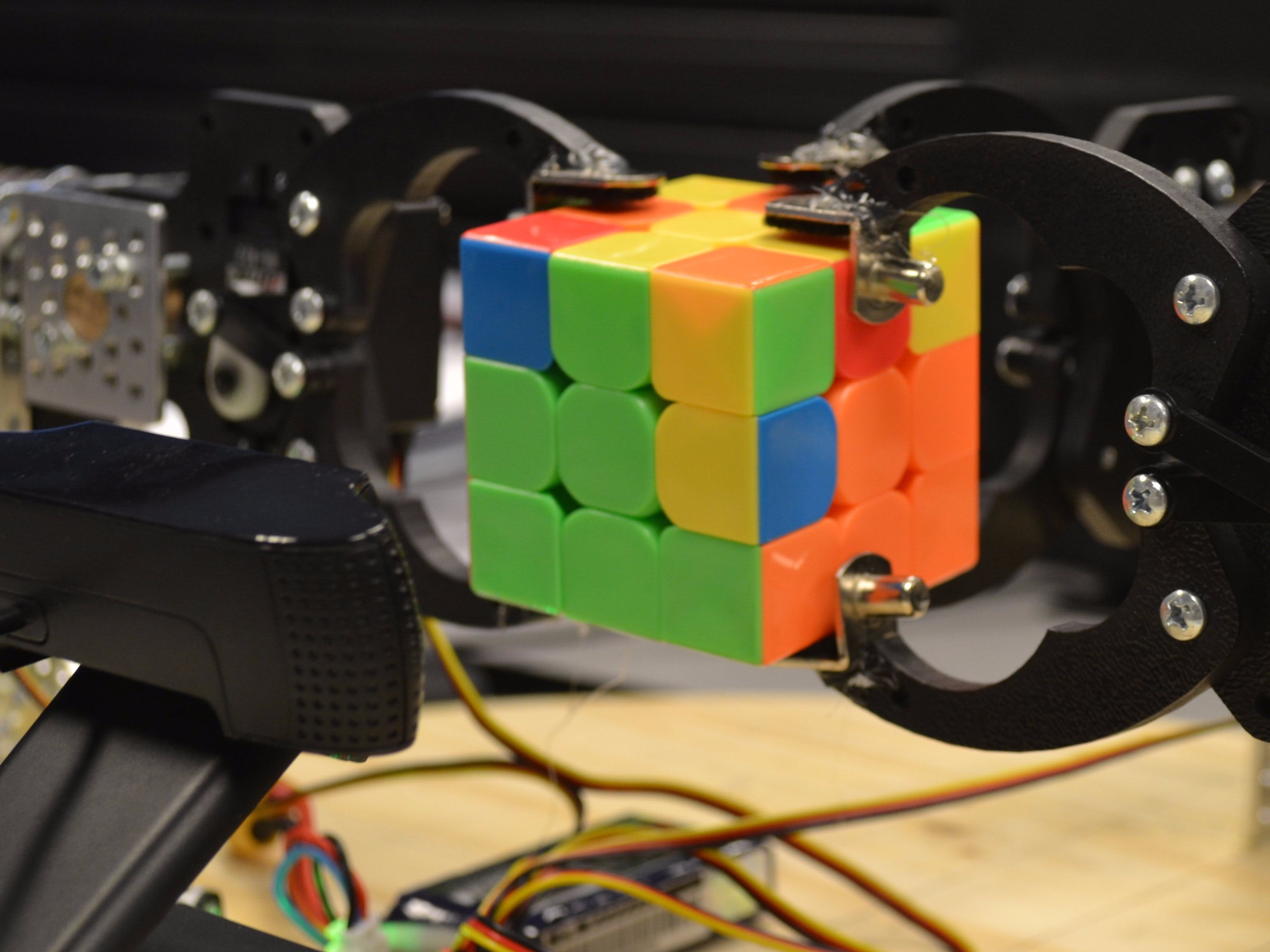IoT Robot w/ OSD335x-Powered BeagleBone Blue: Rubik's Solver