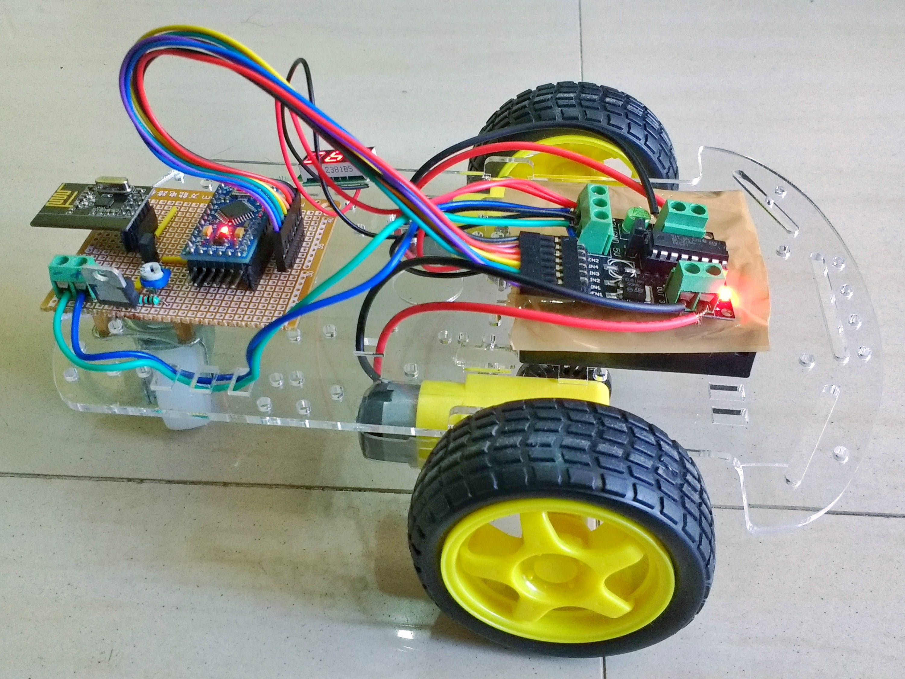 RC Toy Car Using nRF24L01