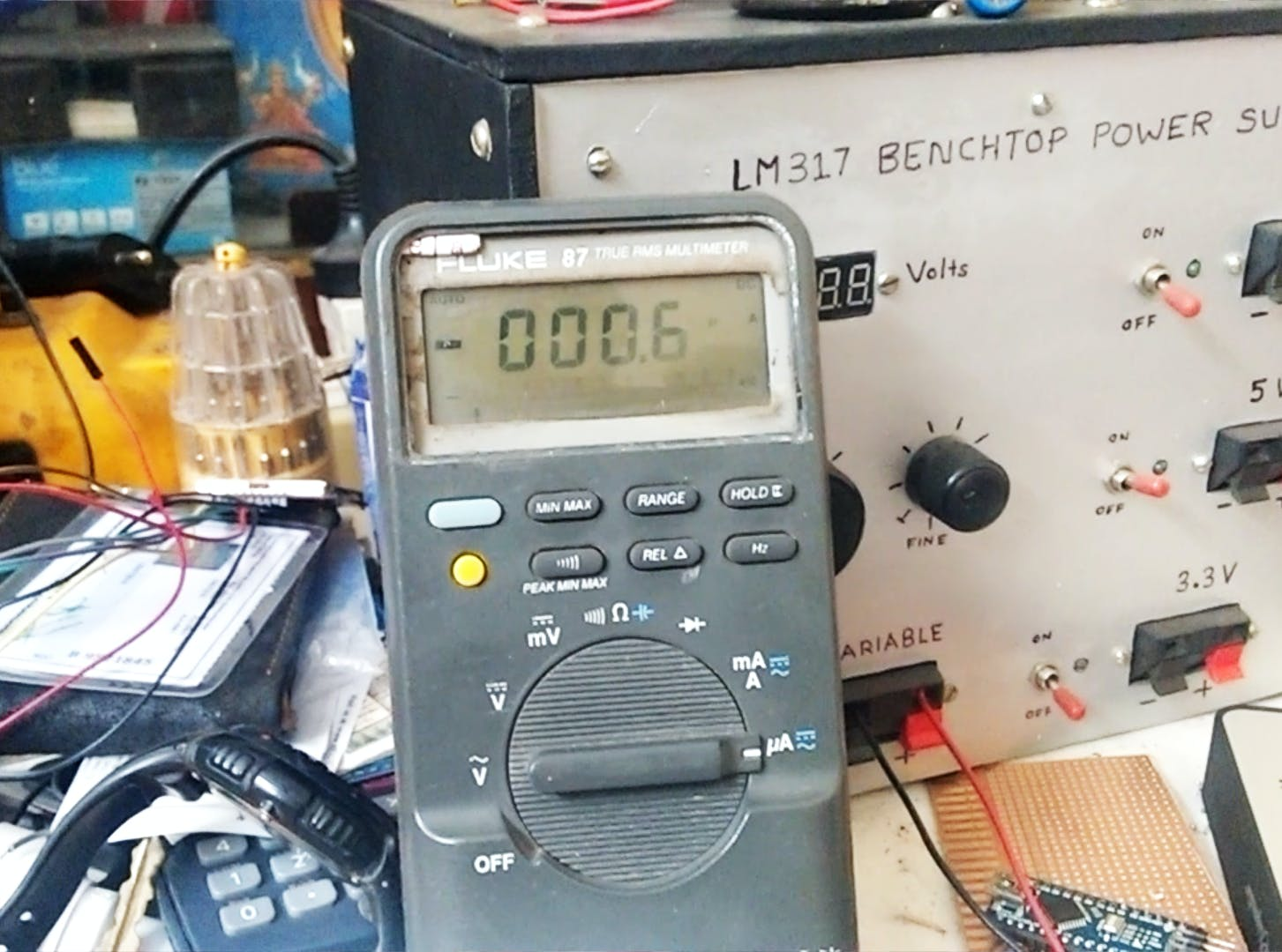 The sleep mode current of the system measured by the Fluke 87 (screenshot taken from the test video)