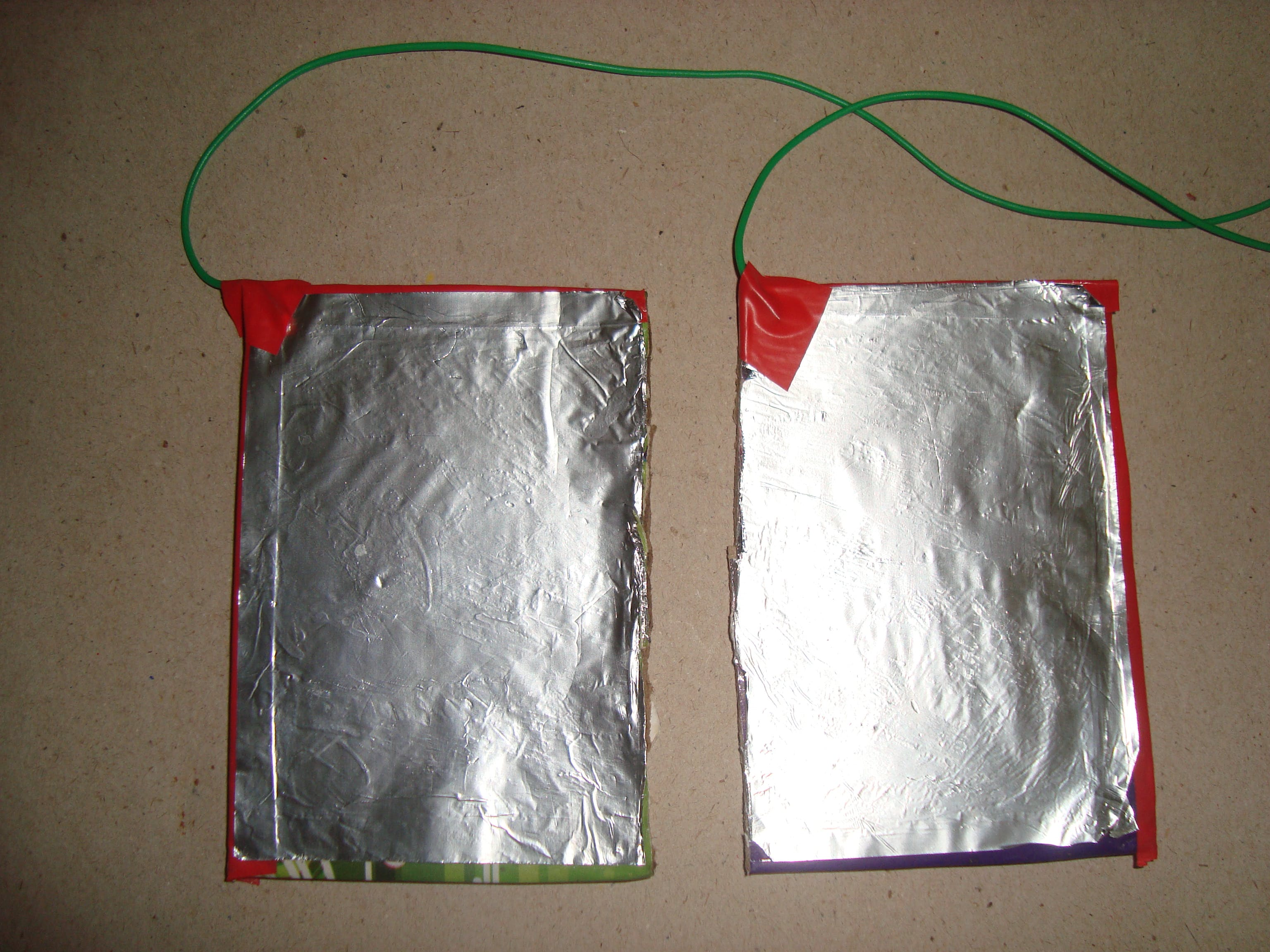 aluminum electrode (kitchen foil on cardboard base)