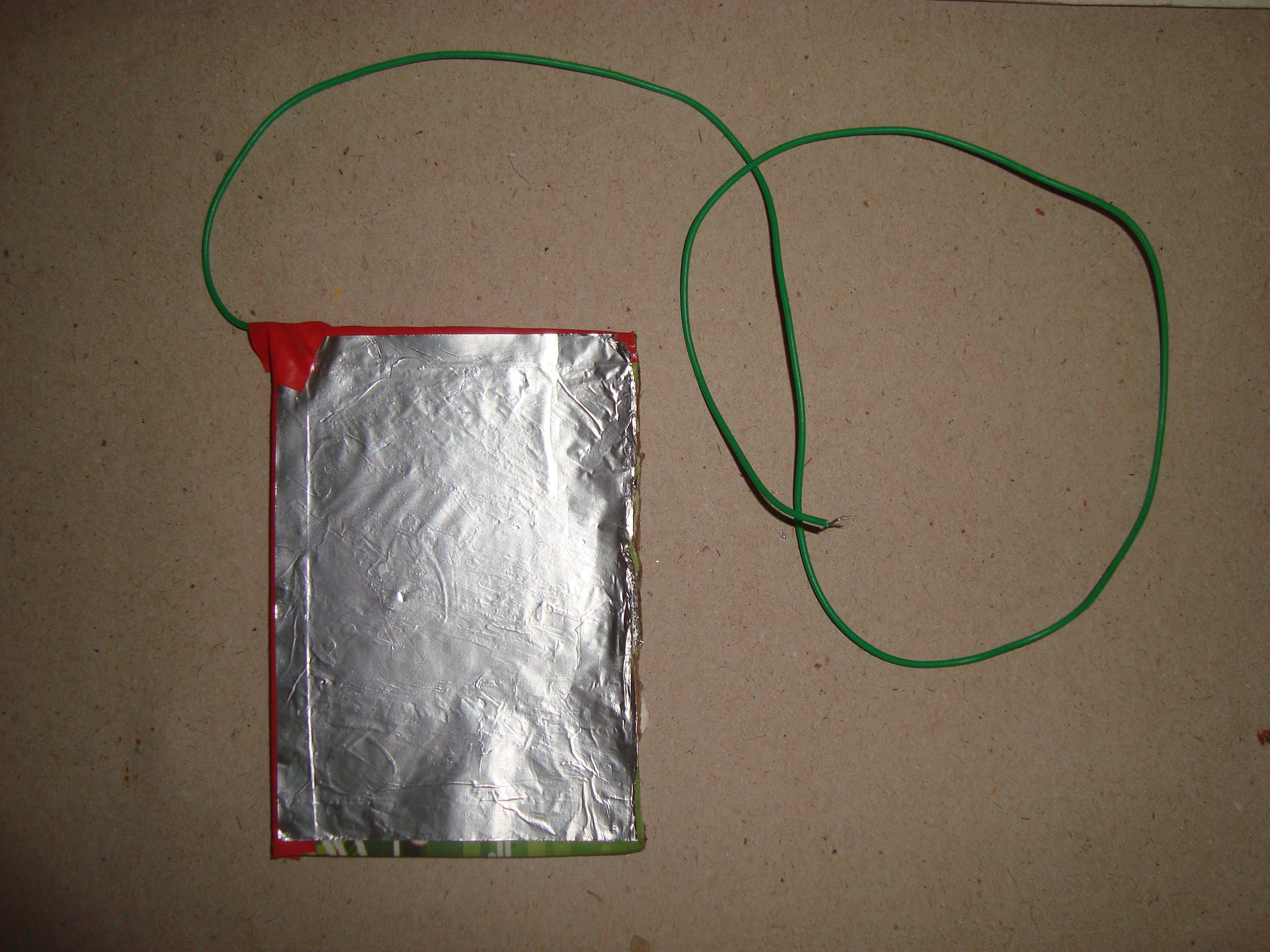 aluminum electrode (kitchen foil on cardboard base)