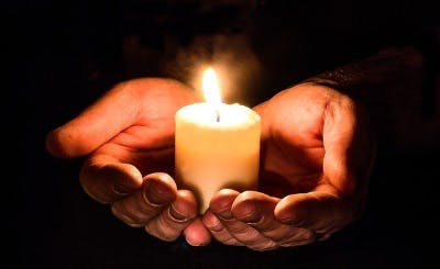 Smart Candles on the market today aren't very smart. (Image courtesy of Pixabay)