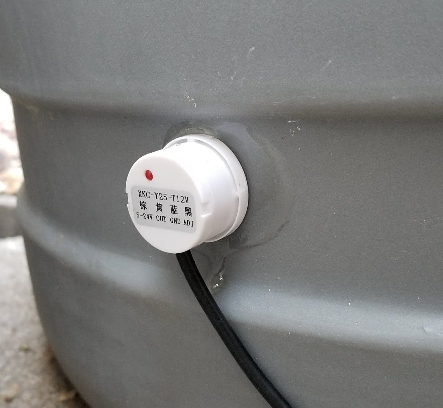 Liquid Level Sensor on acid tank