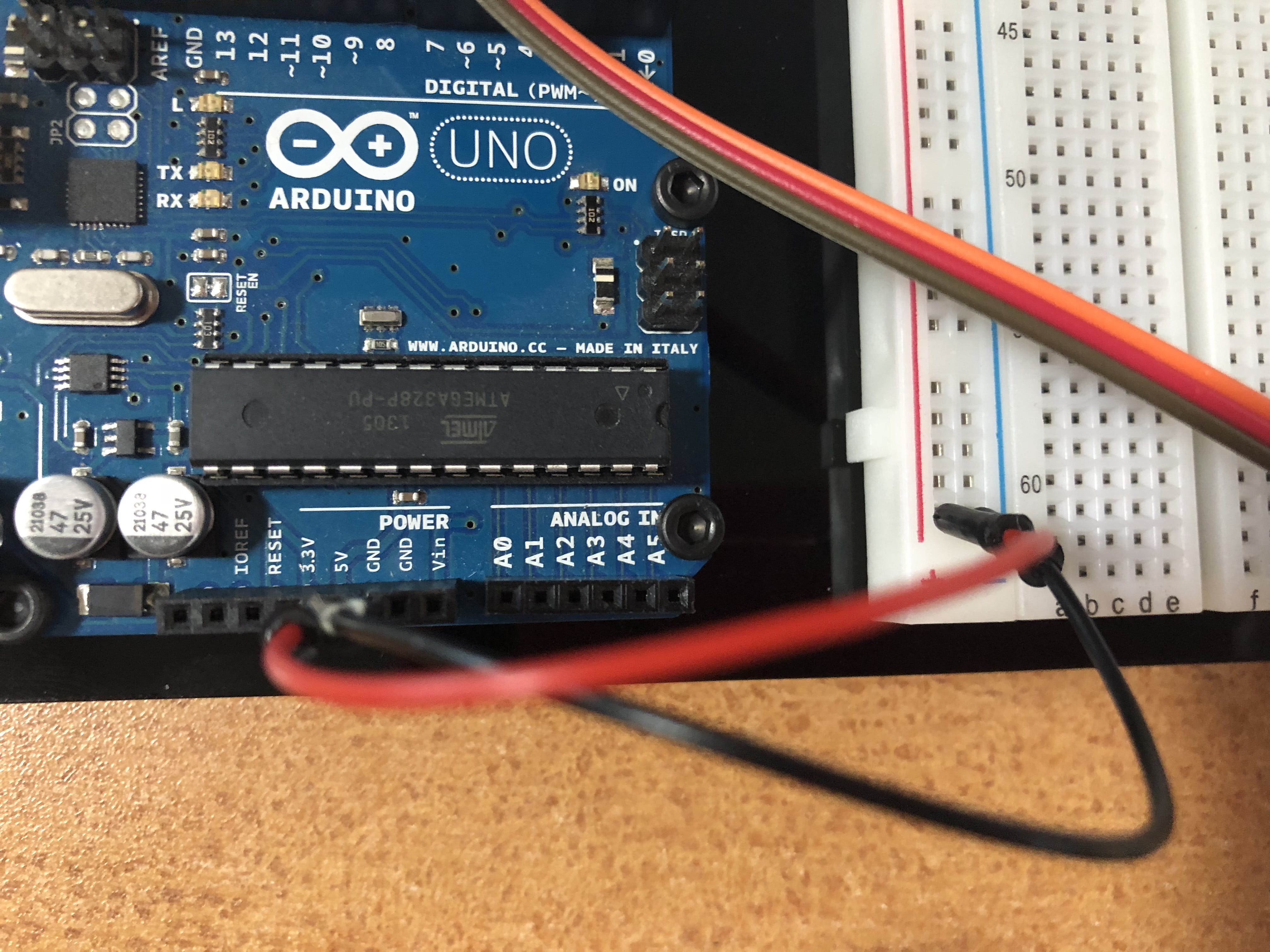 Connecting arduino power to breadboard