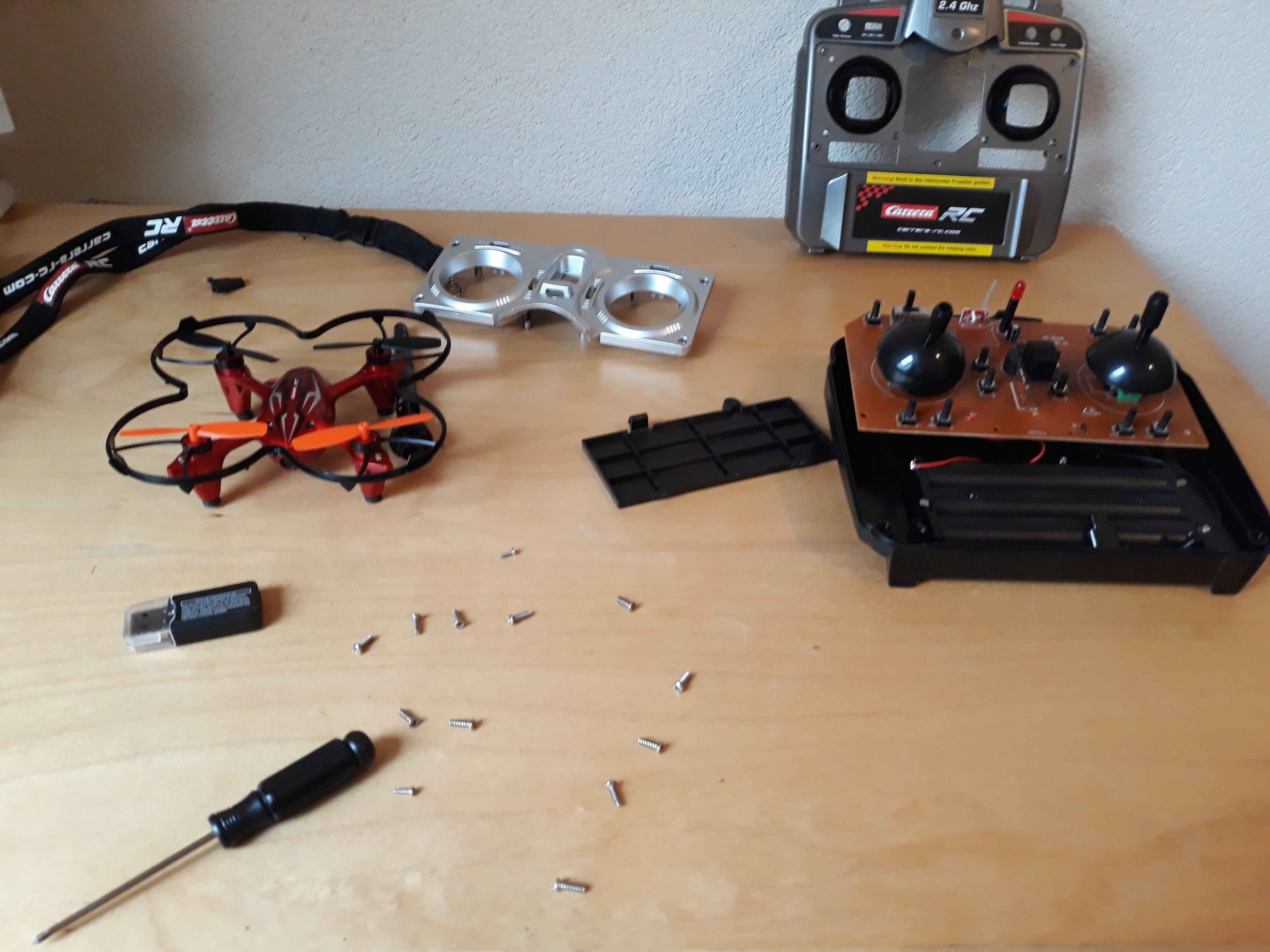 The inside of a controller (another drone, the one that I overpowered..)