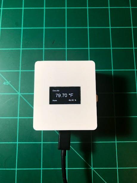 Sensor displaying local temperature/humidity