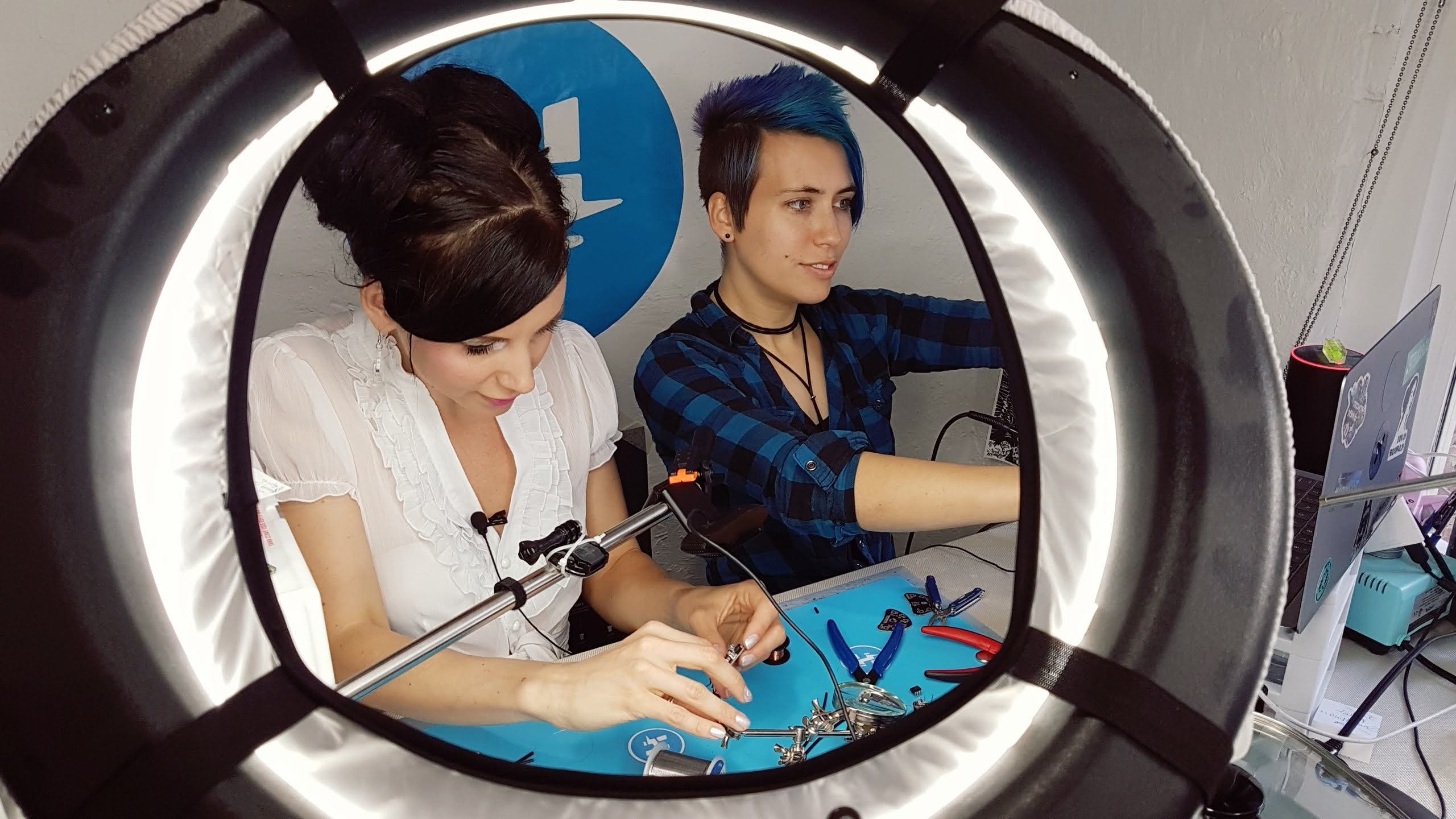 Anouk Wipprecht + Alex Glow of Hackster.io during 'tutorial makings'