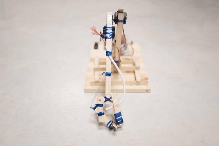 Robot arm gripper