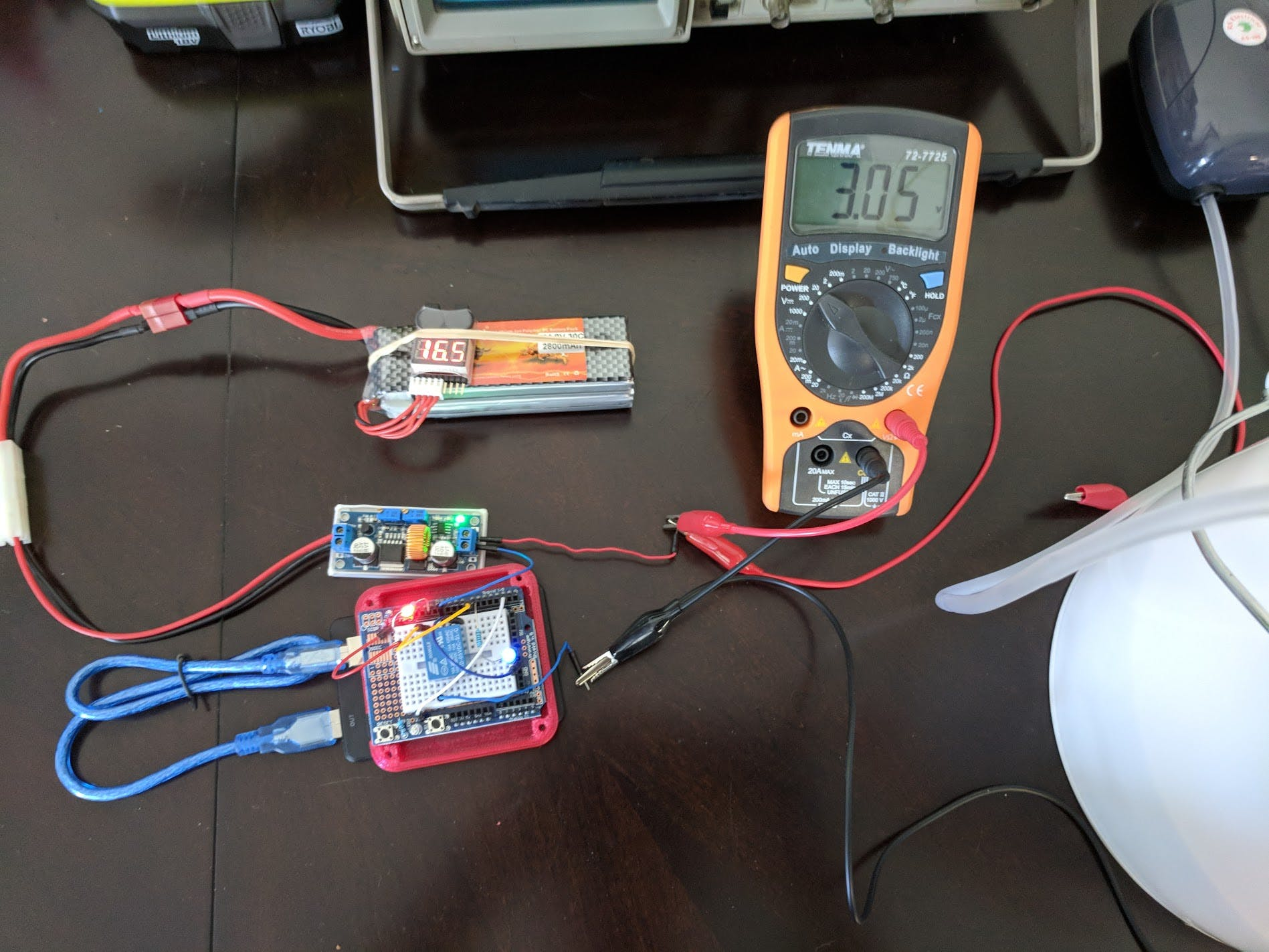 Arduino Uno with relay, lipo and buck converter set to 3 volts