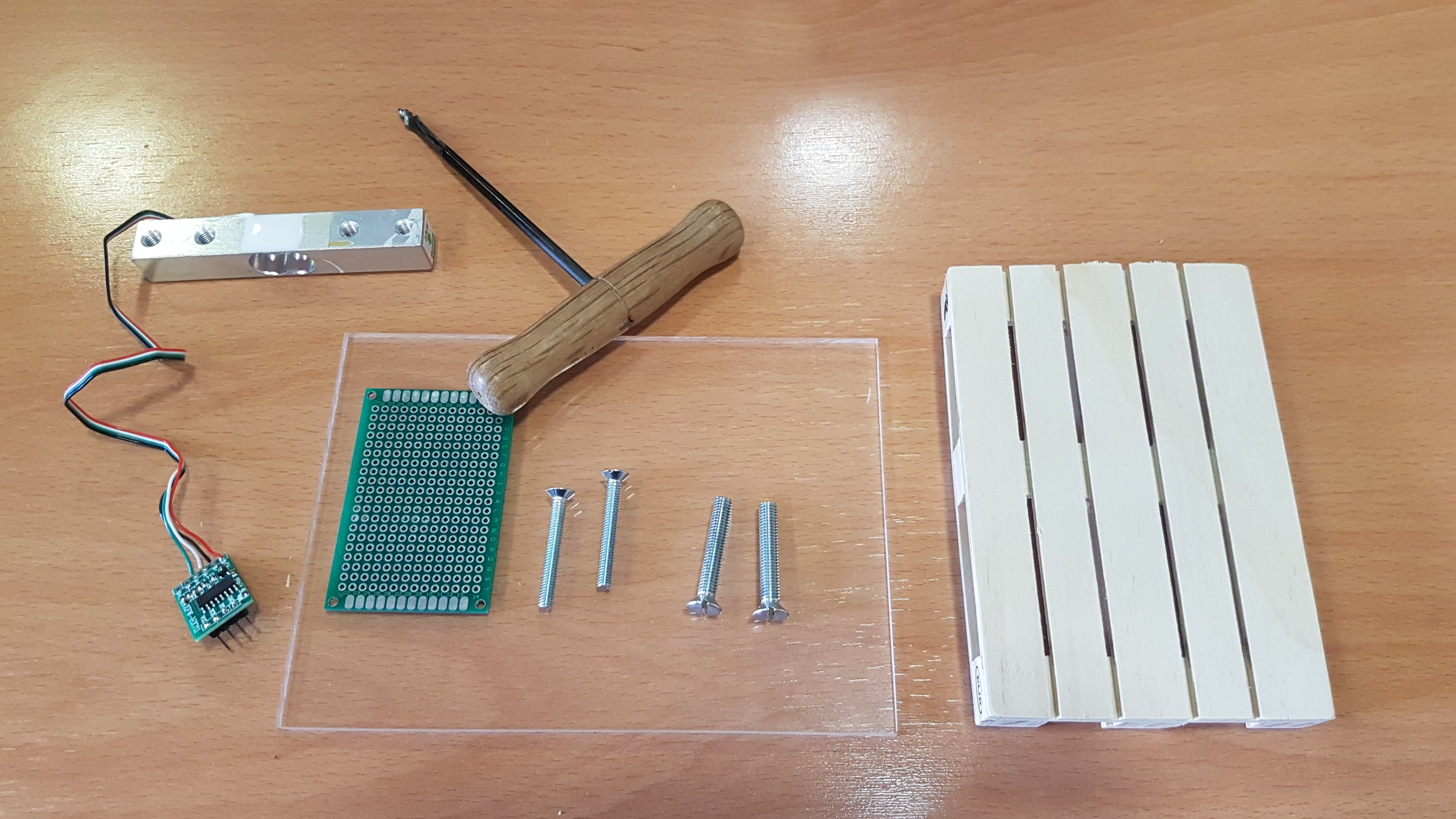 Soldered load cell and materials to hollow the pallet