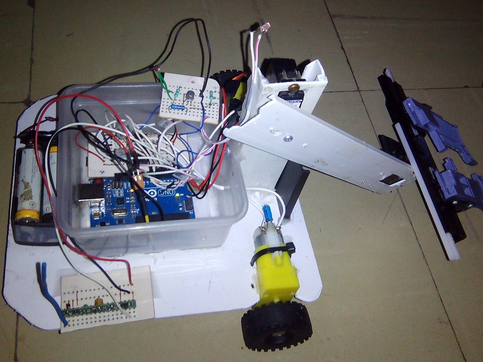 RF Remote Control With Infineon 3D Magnetic Sensor 2Go