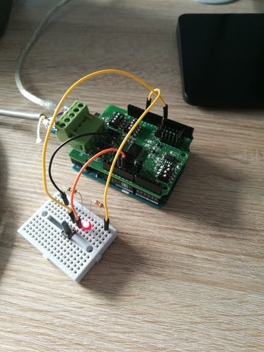 Breadboard connected to Arduino UNO + RS485 Shield