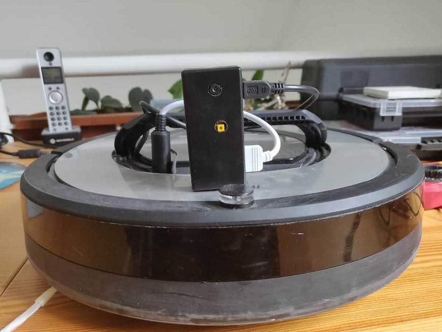 Roomberry Surveillance Robot: Roomba + Pi Zero + Camera