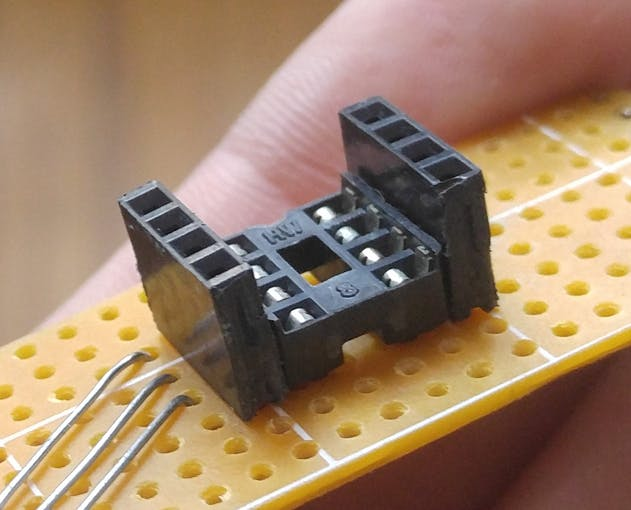 DIP8 socket with female headers around
