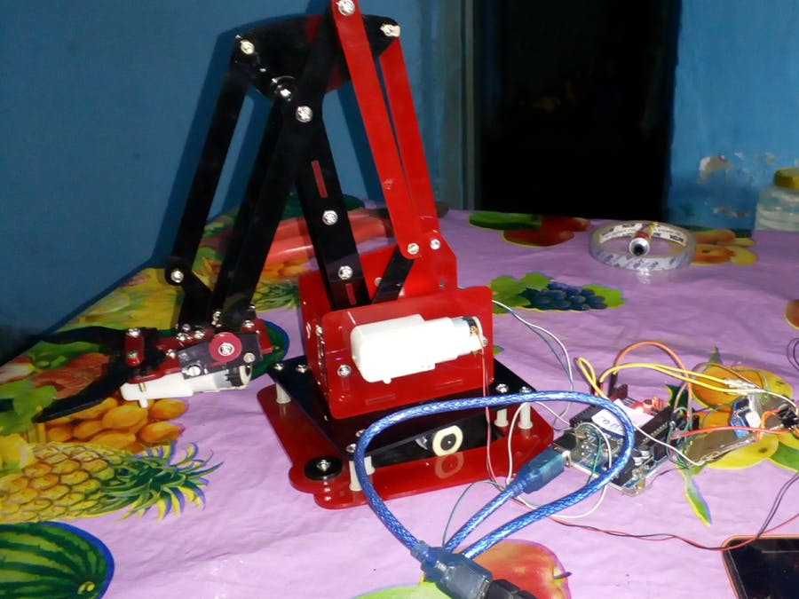 Hand Motion-Controlled Robotic Arm