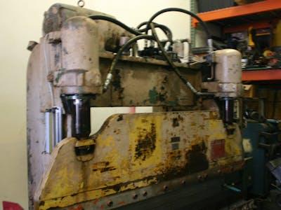 Hydraulic press brake control