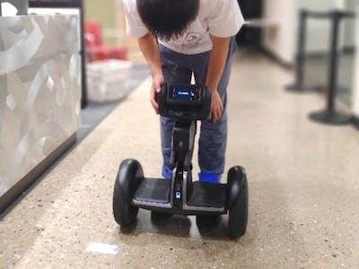 Loomo Guiding Robot