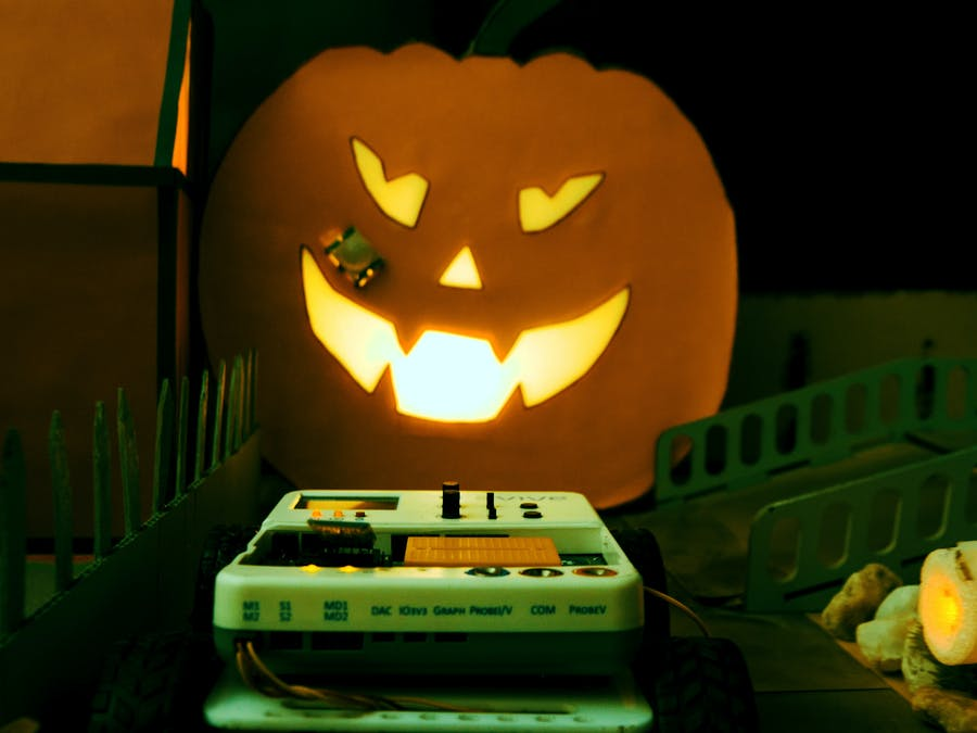 DIY Projects for Halloween to Make a Spooky Town