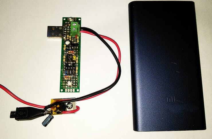 Using a QC 2+ compliant power bank as power source