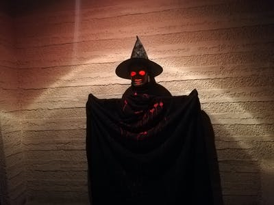 How to Build a DIY Animatronic Halloween Prop Using Arduino