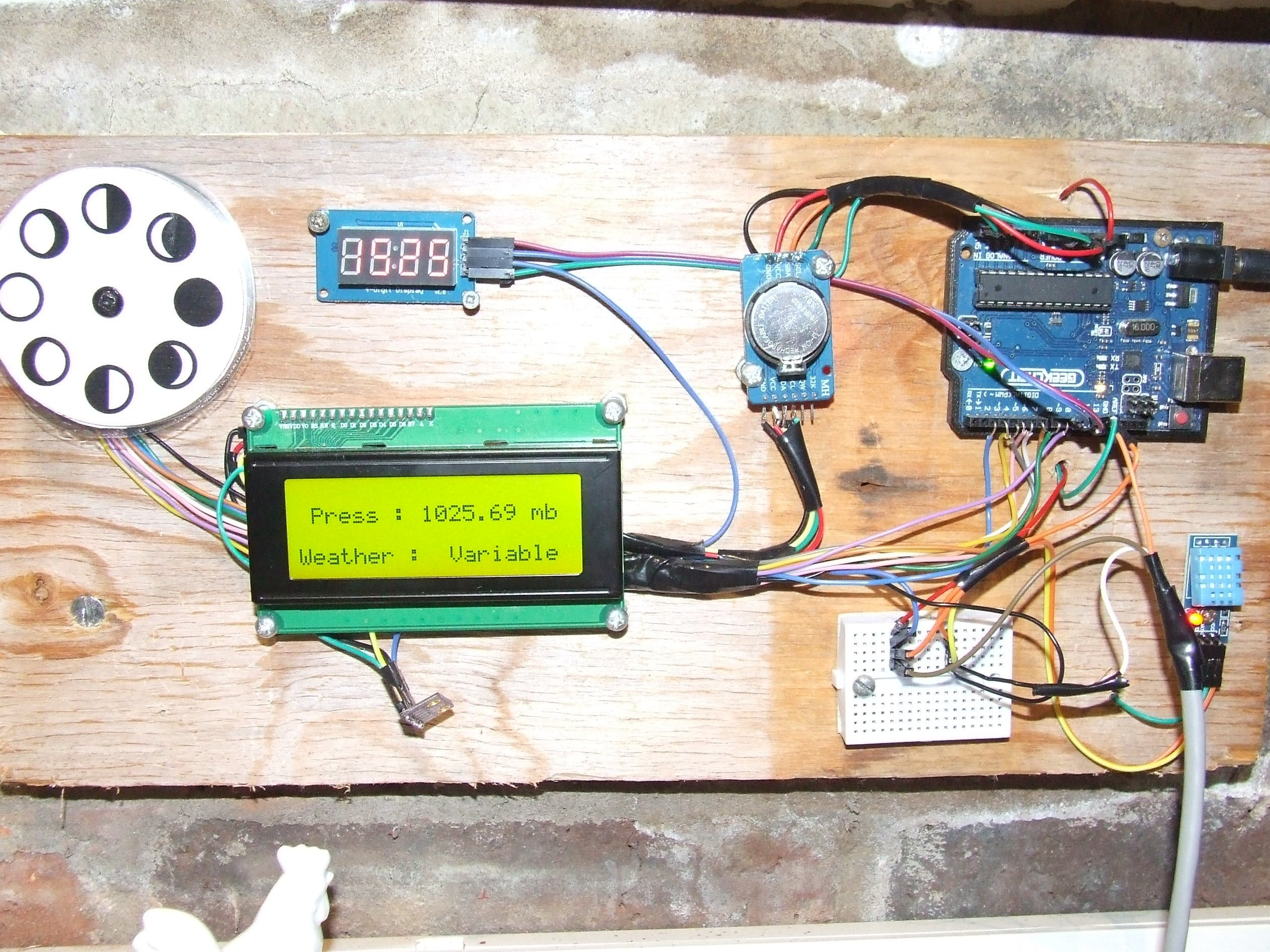 Simple Weather Station with a 20x4 LCD UPDATED