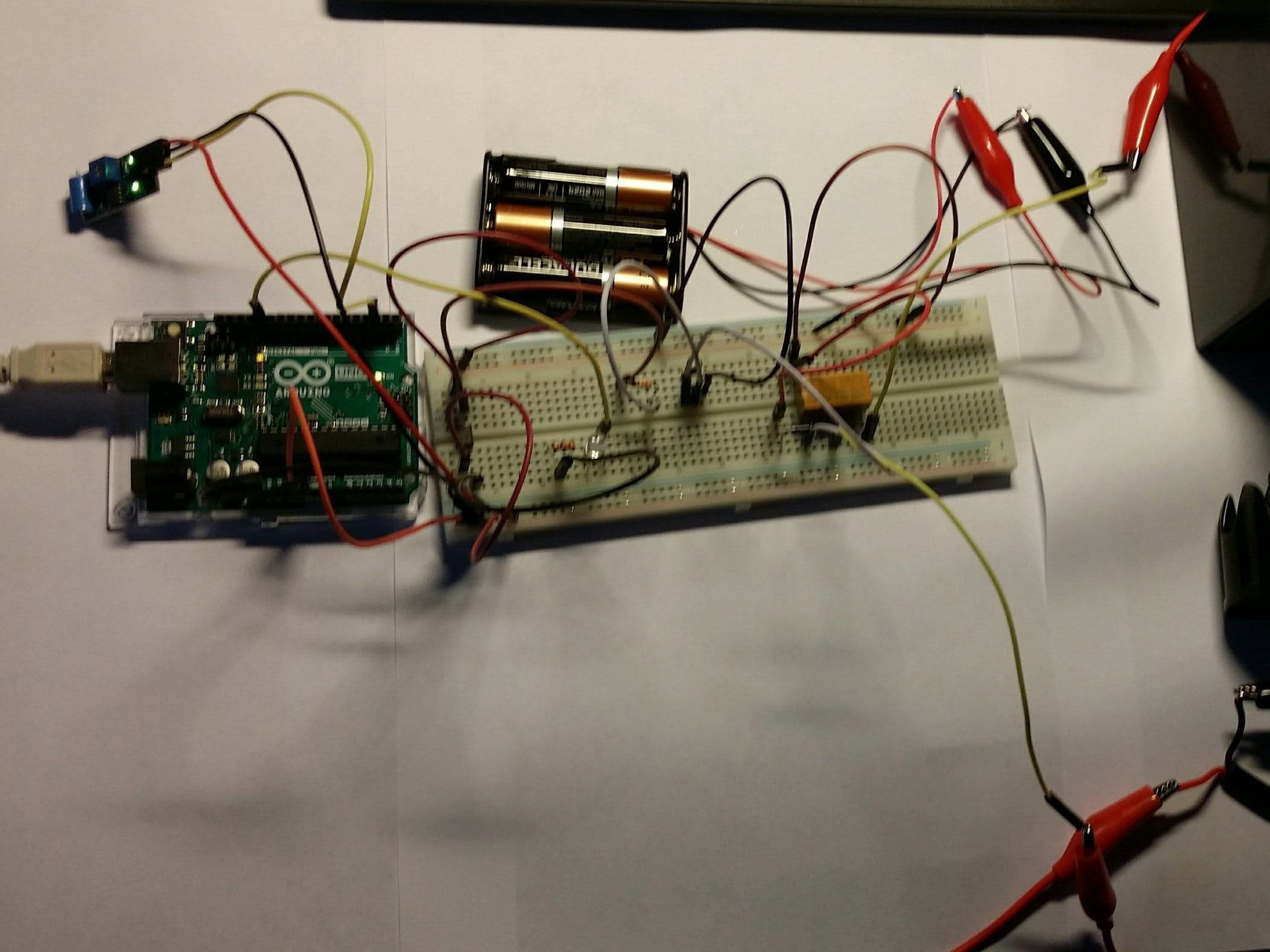Arduino UNO and Vibration Sensor with Relay