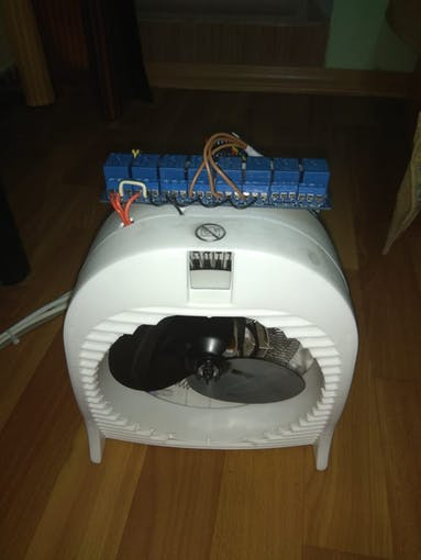 Front view of the fan with relays