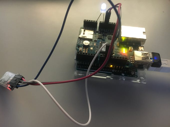 Arduino Uno plus PHPoC Shield