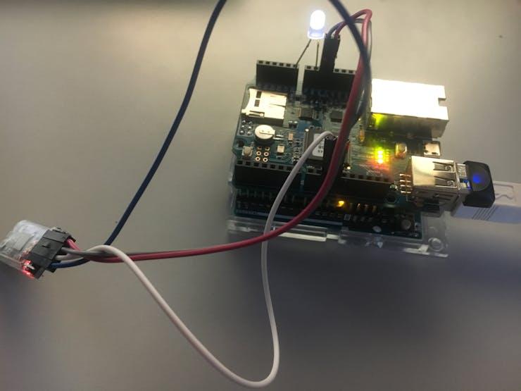 Arduino Uno plus PHPoC Shield