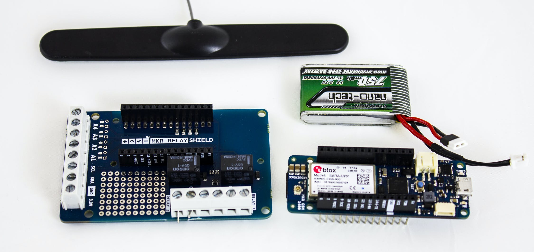 Arduino MKR GSM 1400, MKR Relay Protoshield, LiPo battery and Antenna