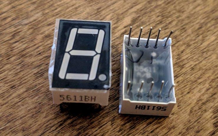 5611BH common anode 7- segment LED