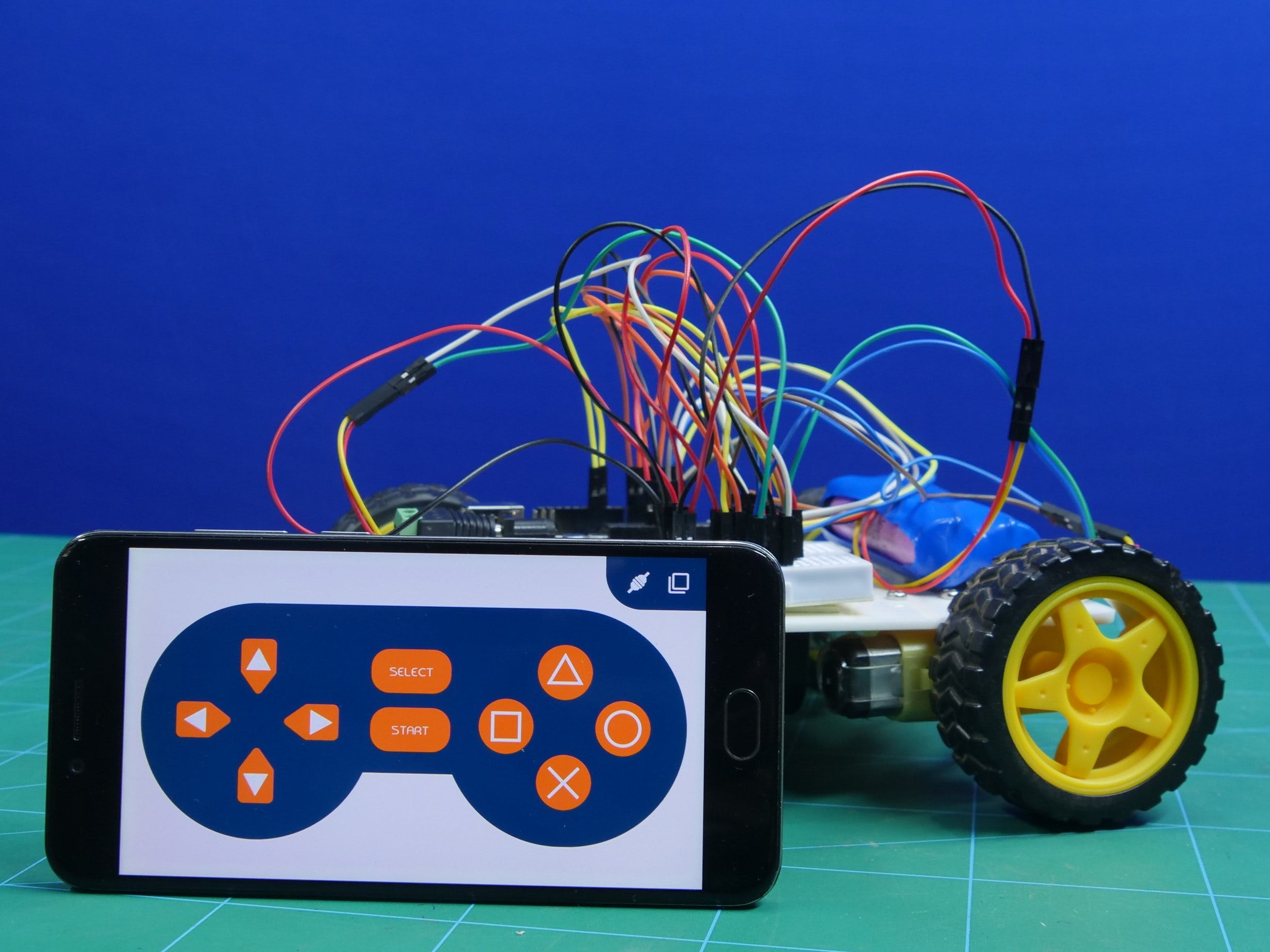 4-Wheel Robot Made With Arduino Controlled Using Dabble