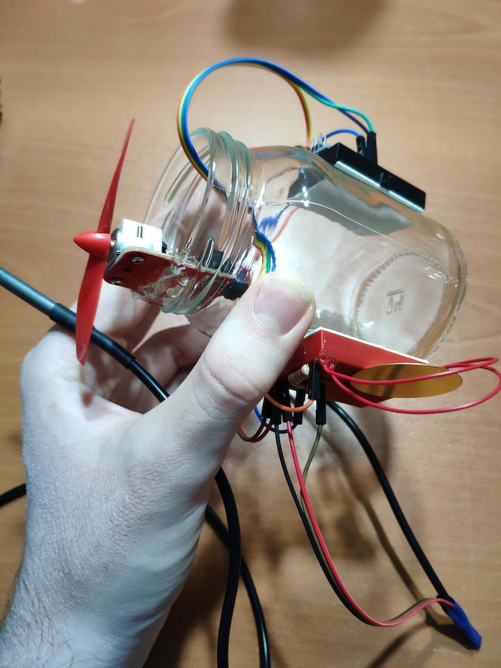 Jar Temperature Detector and Cooling Fan - Arduino Project Hub