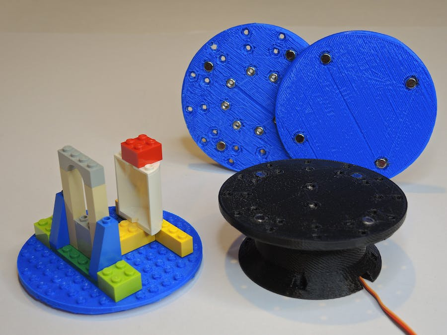 Motorized Turntable w/ Magnetic Attachment Plates