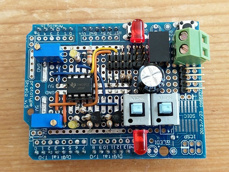 4pin header is for the ESP-01 8266 wifi board.