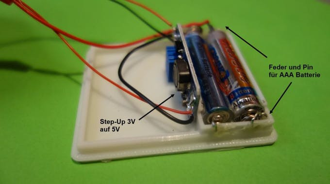 Installation of the power supply with 2 AAA batteries and step-up converter 3V to 5V