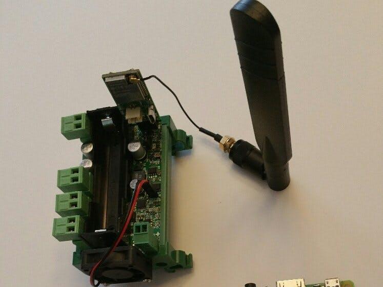 Pi18650 SMART UPS - IoT