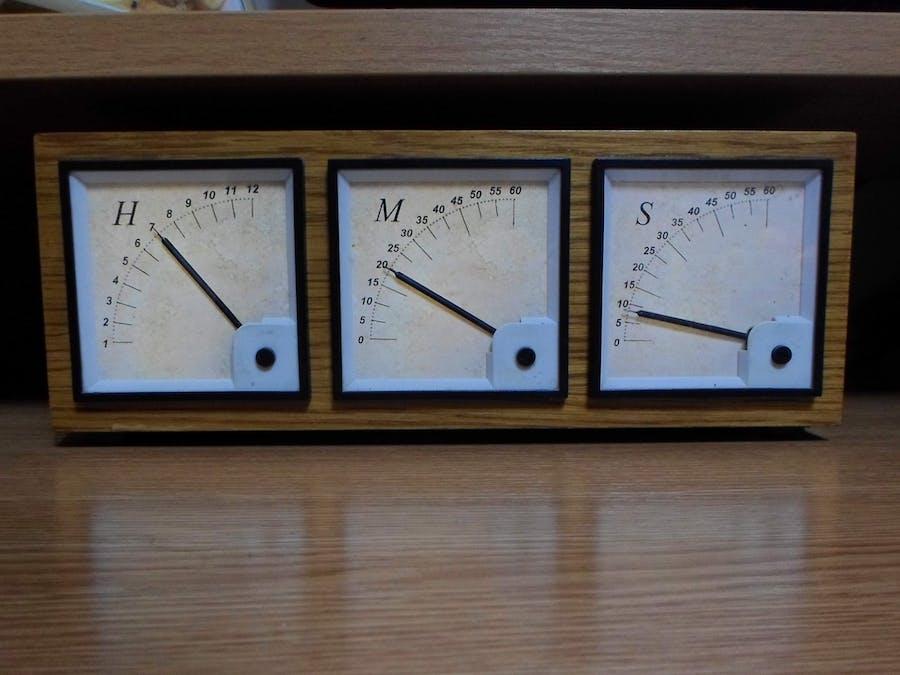 Arduino Analog Panel Meter Clock