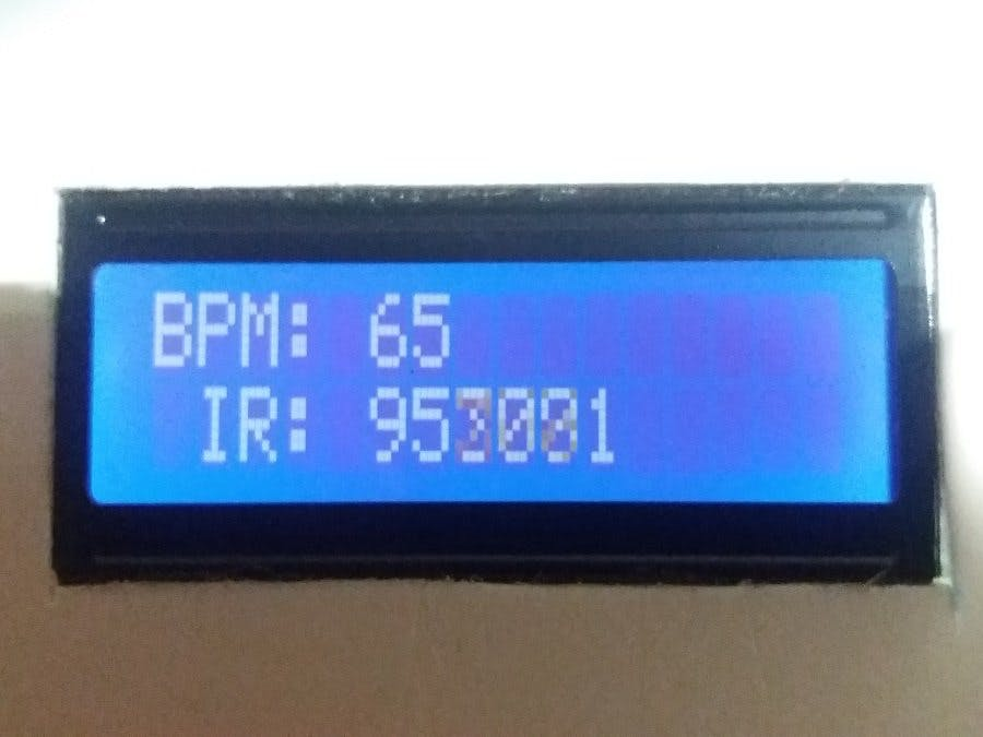 MAX 30102 Heart Rate Monitor on 16x2 LCD