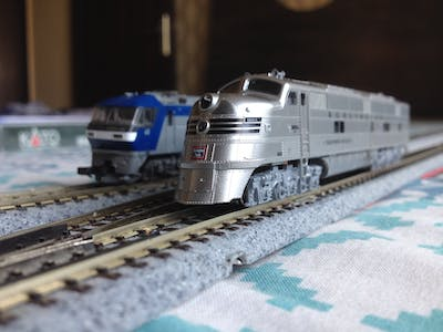 Simple Automated Point to Point Model Railroad - Arduino