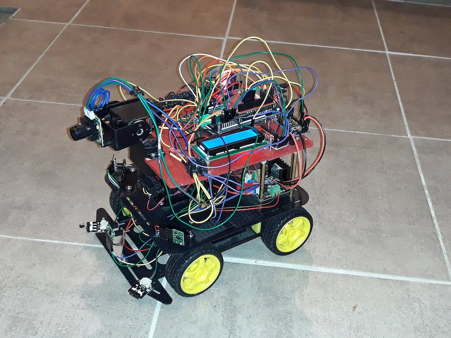 Robot Arduino Using nRF52832 Connected to Android and ESP826