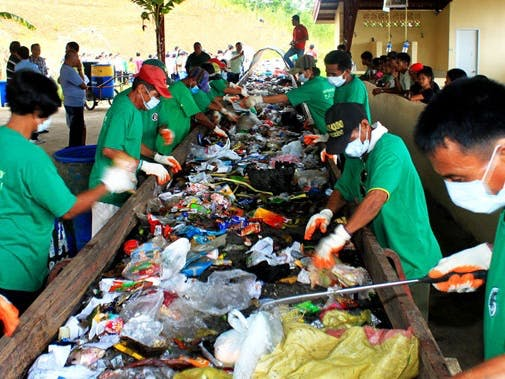 Trash Classifier: Bringing Hygiene to Garbage Collectors