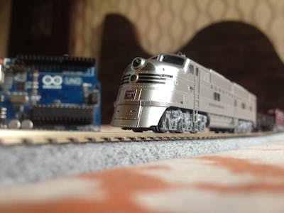 Simple Automated Model Railway Layout | Arduino Controlled