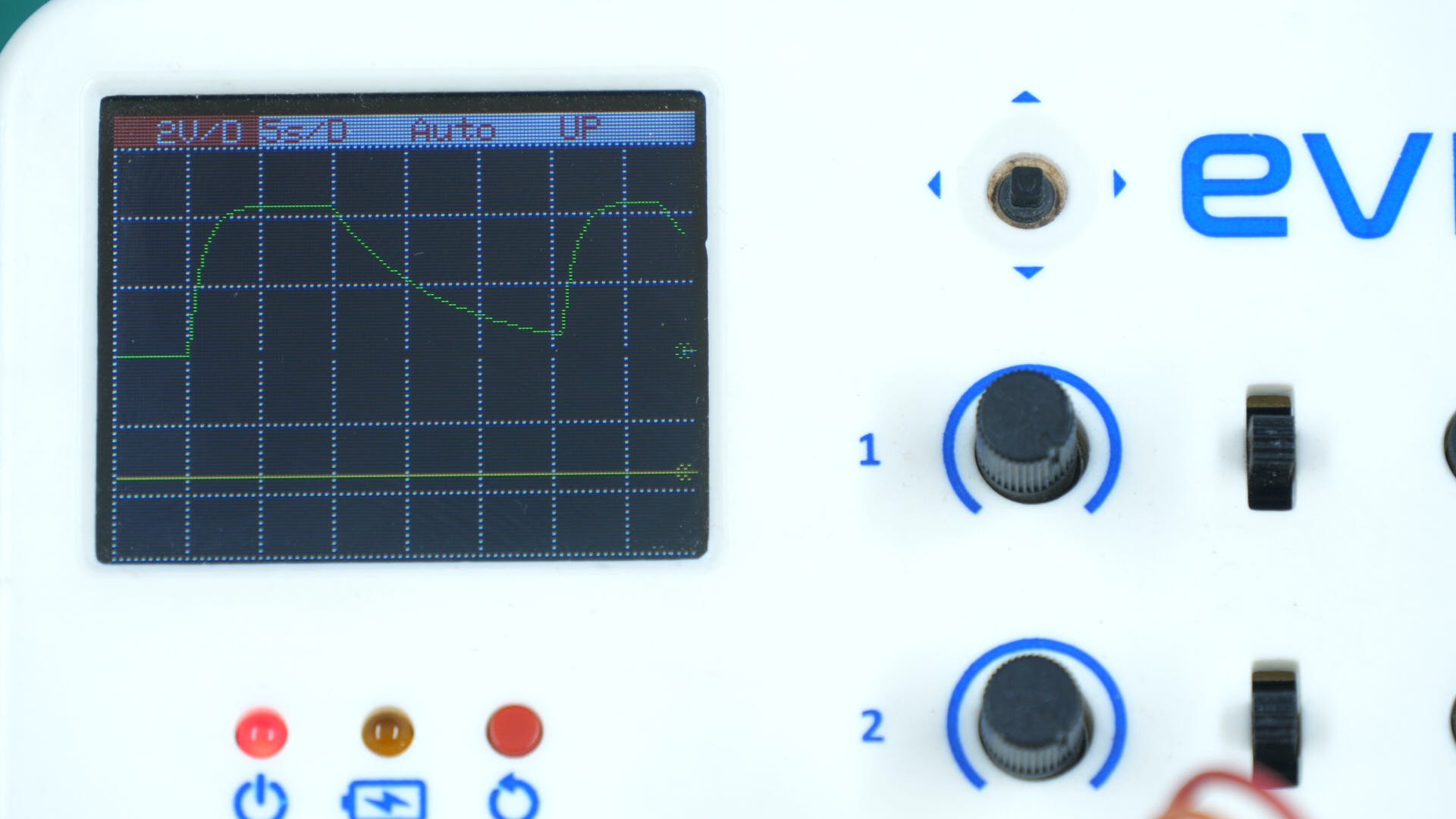 Understanding and Visualizing RC Circuit on Evive's Oscil...